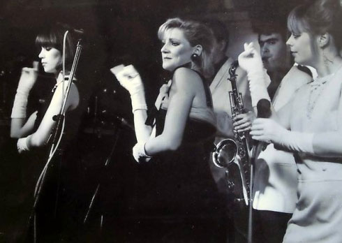 Mari Wilson with The Wilsations ca. 1982