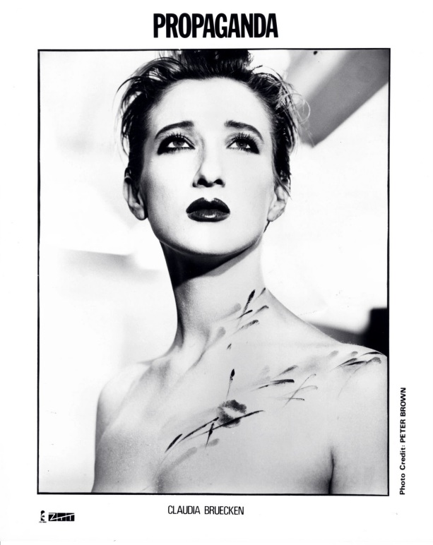 Claudia Brücken in Propaganda © 1985 Peter Brown