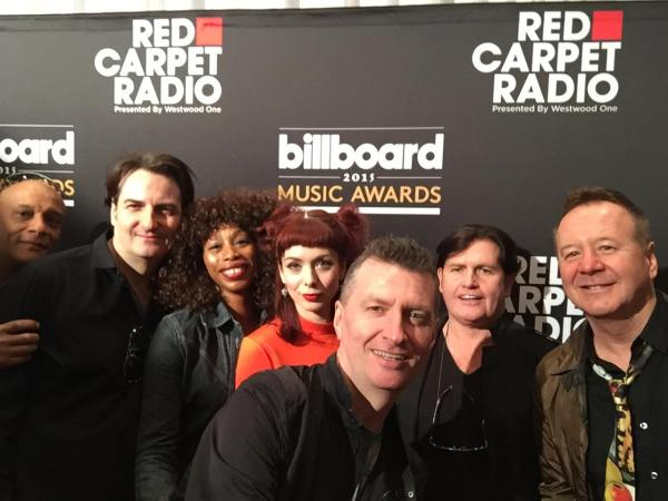Simple Minds hijinx ca 2015. L-R: Mel Gaynor, Andy Gillespis, Sarah Brown, CAtherine AD, Ged Grimes, Charlie Burchill, Jim Kerr