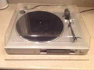 Sansui P-D10 turntable