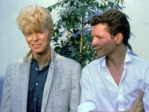 Bowie + Iva Davies in 1983: Which twin has the Toni®?