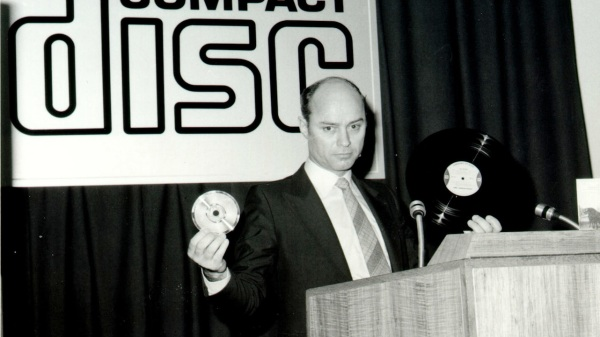 Joop Sinjou, Philips CEO with first CD at prexy
